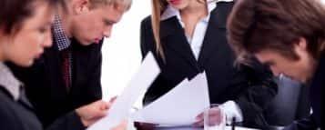 Trabalhar e Estudar – 5 Motivos para Fazer os Dois Juntos