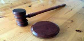 Quanto custa estudar Direito?