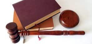 Descubra quanto ganha um juiz federal
