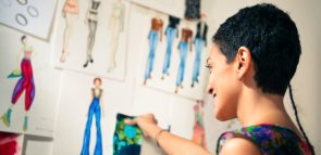 Saiba tudo sobre o curso de Design de Moda EaD