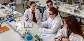 Química Industrial: conheça o curso, mercado e onde estudar