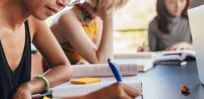 Descubra como funcionam as bolsas do Educa Mais Brasil