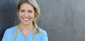 Conheça opções de faculdades de Enfermagem a distância