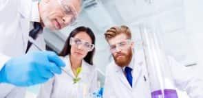 Descubra o que faz um cientista
