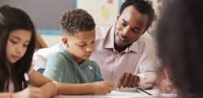 Saiba quais cursos fazer para quem gosta de crianças